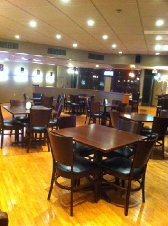 Chauncey Conference Center : 1st floor bar