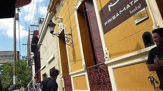 Hostal Prisamata: frente del hostel