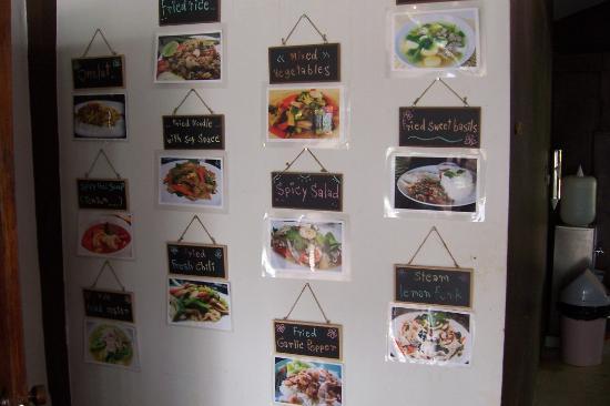 كلوب ون سيفين هوتل شيانج ماي: menu