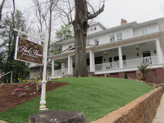 Park House Bed & Breakfast is Greenville's newest B&B, located in Downtown Greenville.