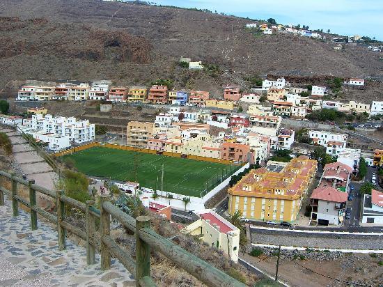 Apartamentos Martell: Blick auf das Stadion (von gegenüber)