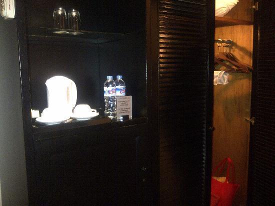 โรงแรมจาร์กาตา แอร์พอร์ท: standard equipment
