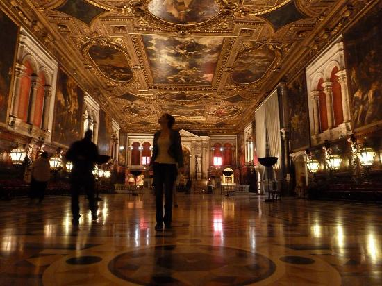 Scuola Grande di San Rocco: Inside of the grand hall