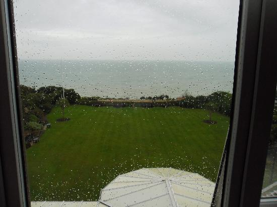 Hydro Hotel Eastbourne: View from bedroom window in rain