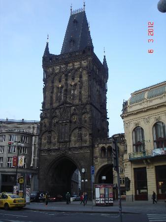 Hotel Beseda Prague : la Tour Poudrière (place de la République)
