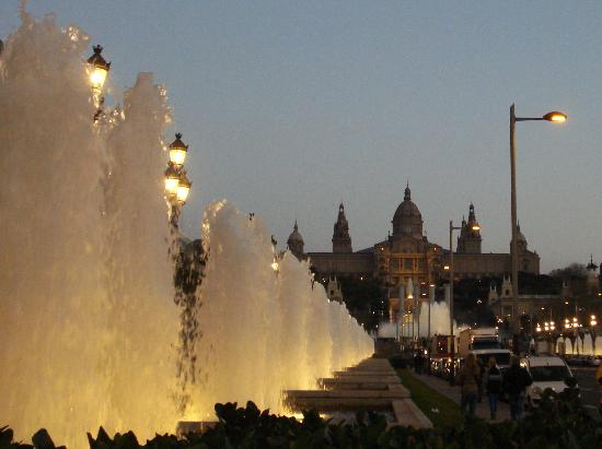 Foto De The Magic Fountain Barcelona Fontana Magica E Av Reina