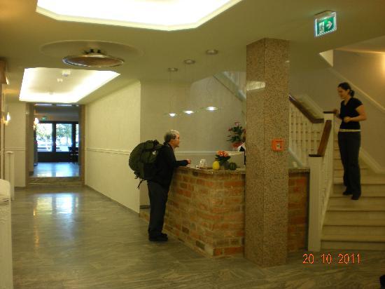 Fründts Hotel: Hotel Lobby