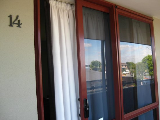 Airways Motel: sliding doors from the hallway into the bedroom. these would also be the only bedroom windows.