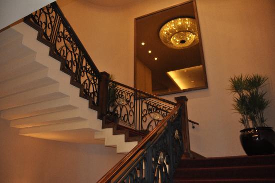 Crowne Plaza Santiago: Escaleras del hotel
