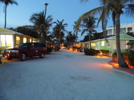 Beachview Cottages : Evening in paradise
