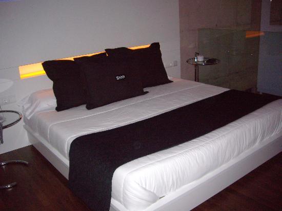 Shhh Motel: mirar que cama