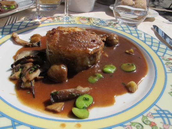 Chinon, Frankrike: Parmentier de légumes oubliés au porc de Touraine à la bière