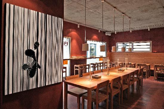 Pedi Restaurant & Vinothek: Inside