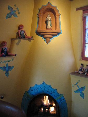 إل باراديرو بيد آند بريكفاست إن: Room 4 kiva, paintings