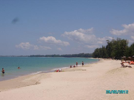 Beyond Resort Khaolak: la spiaggia