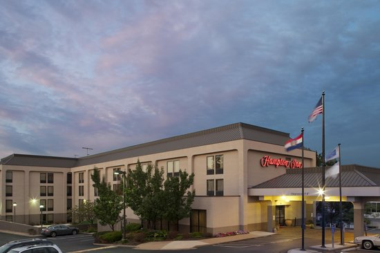 Quality Inn Florissant: A warm welcome awaits you when you pull up to our Hampton Inn in Florissant, MO
