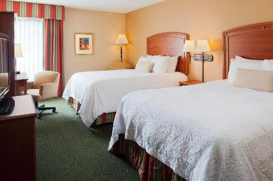 Quality Inn Florissant: Our newly renovated double queen room features Hampton's signature Clean and Fresh Hampton Bed™.