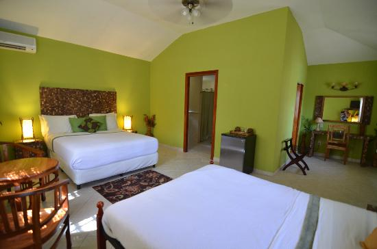 Coconut Lodge: Casa Bambu ideal for families
