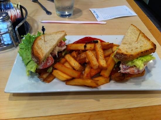 Helen's Restaurant: lobster BLT