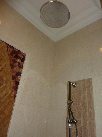 Casa del Rio Melaka: shower