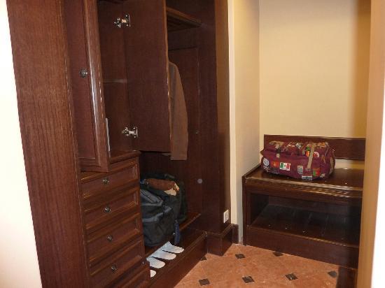 Casa del Rio Melaka: wardrobe/changing area