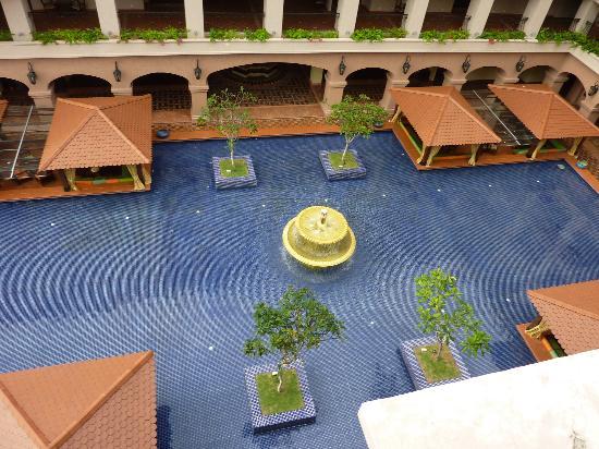 Casa del Rio Melaka: courtyard from pool