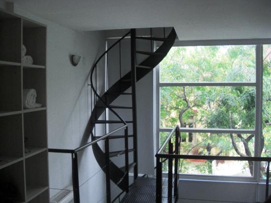 Apart Tgc Inn: Vista do quarto para janela