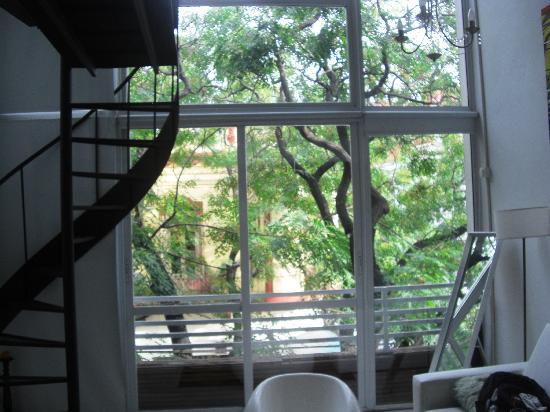 Apart Tgc Inn: Vista da sala pra janela