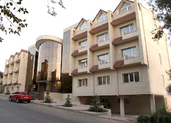 Nork Residence Hotel : Front side