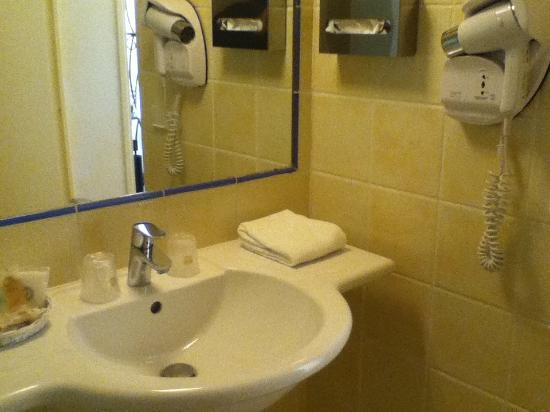 Best Western Castel Provence : salle de bain