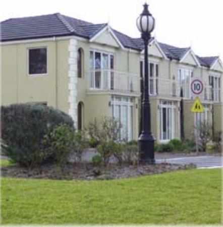 BEST WESTERN Colonial Village Motel: Colonial Village Motel