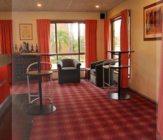 Econolodge Citrus Valley Motel: Comfort Inn Citrus Valley
