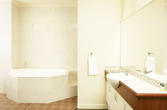 كواليتي هوتل بايسووتر: Bayswater Hotel Motel