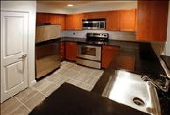 BridgeStreet The Pier : Fully equipped kitchens come standard