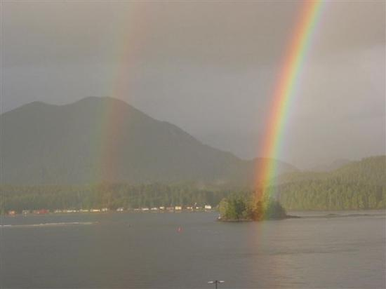 Vista Hermosa: rainbows seen from the deck