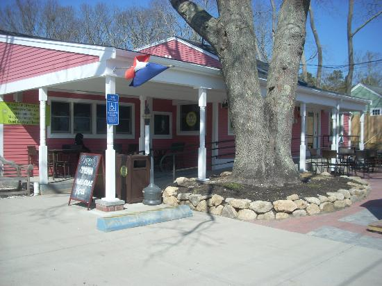 Wellfleet, MA: The line usually stretches out the door...