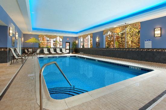 Hampton Inn & Suites Hartford/Farmington: Indoor Heated Pool