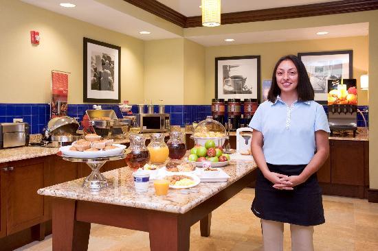 Hampton Inn & Suites Hartford/Farmington: Breakfast Hostess