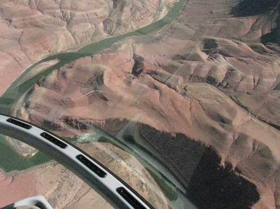 Canyon Tours: Colorado river from the helicopter