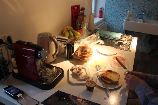 Kuwadro B&B Amsterdam Centrum: Kitchen Part 2