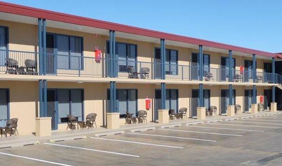 Club Motel