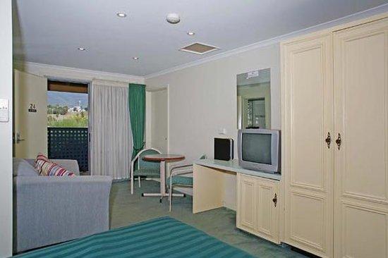 claremont hotel motel updated 2018 prices reviews. Black Bedroom Furniture Sets. Home Design Ideas