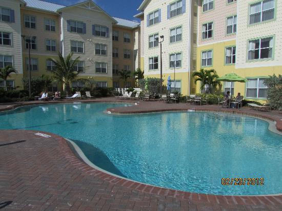 Residence Inn Cape Canaveral Cocoa Beach: Pool area