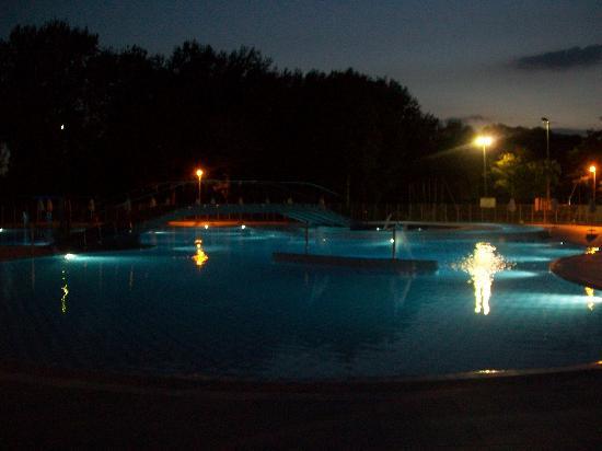 Punta Marina Terme, Italien: la piscina rinnovata da pochi anni