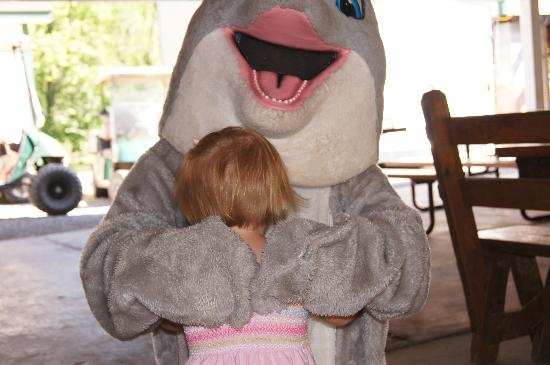 Splash Magic Campground: My kids have always loved hugging Splash after the Dragon Wagon