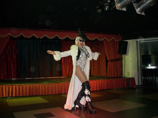 Marconfort Beach Club Hotel: Entertainers, Drag Act, Lady Gaga