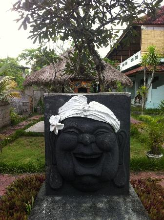 Mainski Lembongan Resort: Mainski Buddha
