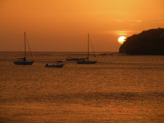Pelican Eyes Resort & Spa: Stunning Sunset