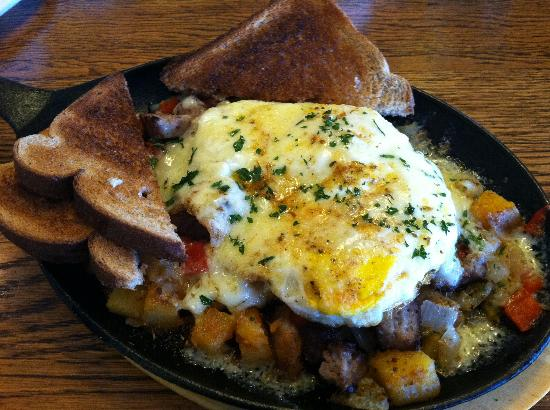 The Wilmington Inn & Tavern: The Cajun Skillet - my husband kept trying to pick at it!