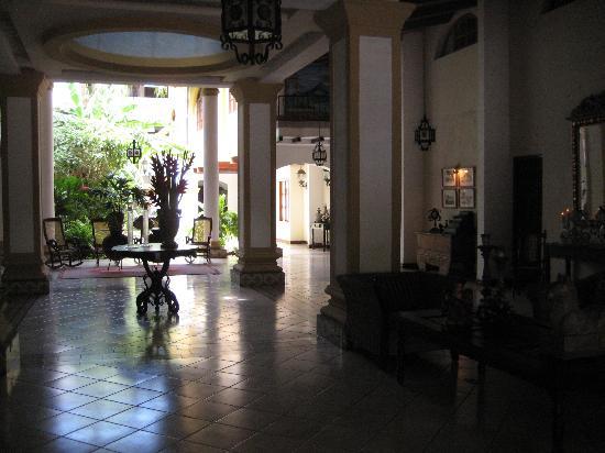 Hotel Alhambra: lobby